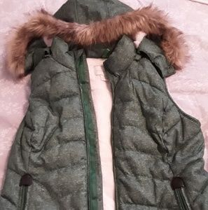 Green Tea Faux Fur Lined Womens Vest-Size Medium